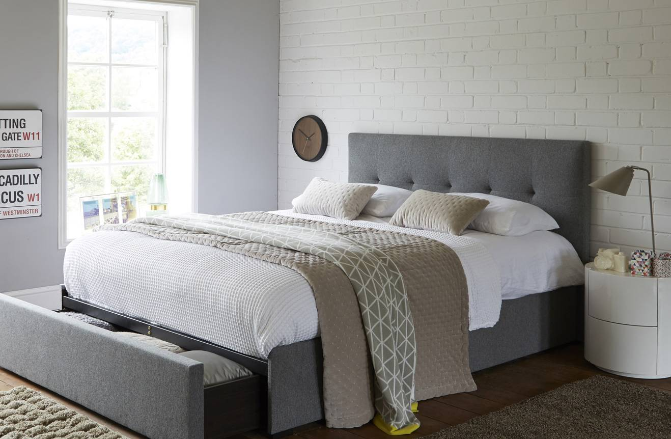 Top 4 Space-saving & stylish ideas for small bedroom ...